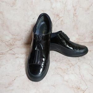 Cole Hann  black waterproof patent leather shoes 9